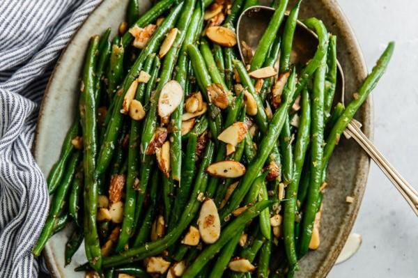 Haricot Verts Almondine (Green Beans) - Mademeals